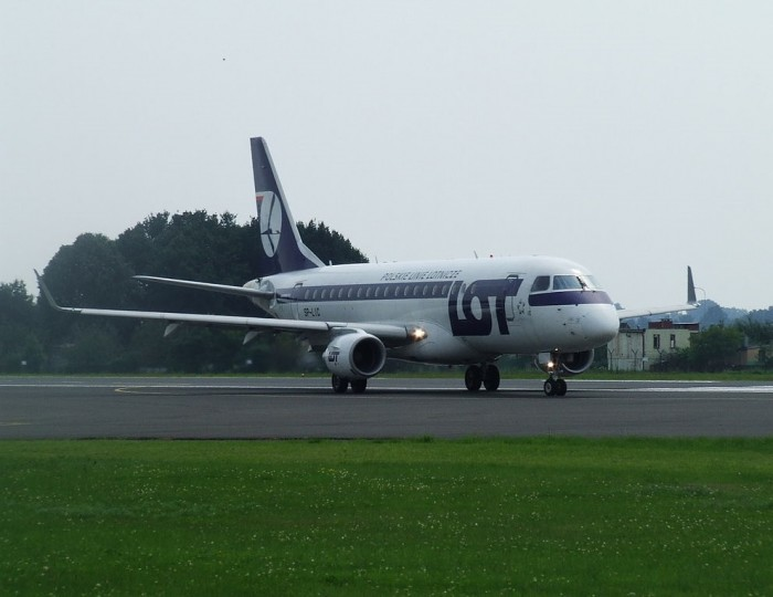 LOT To Launch Flights From Warsaw To Zaporizhia